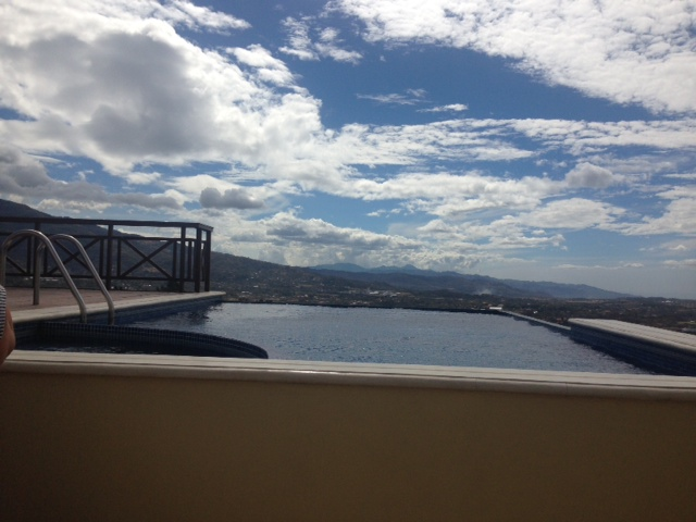Amazing family home in condo private infinity pool, Guachipelin