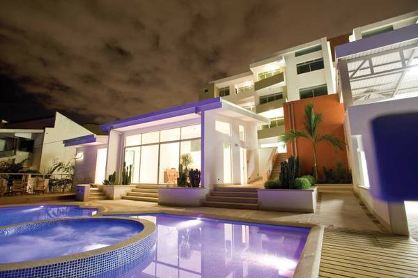 Luxury furnished apartment in condominium with pool, security