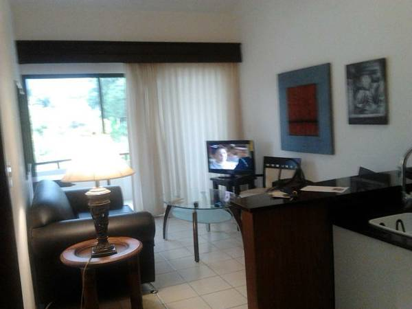 $800 / 1br – 700ft² – FURNISHED modern apartment with swimming pool 24/7 security,gym,sauna (Santa Ana AVALON)