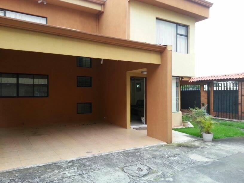 $1500 3 bed FURNISHED home in condominium, sacure, close to Forum Santa Ana Rio Oro