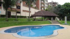 Unfurnished Apartment with terrace, A/C, great common area