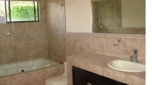 Baño-cuarto-principal