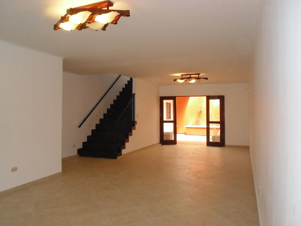 Bargain! Fire sale! Very nice house with Interior patio