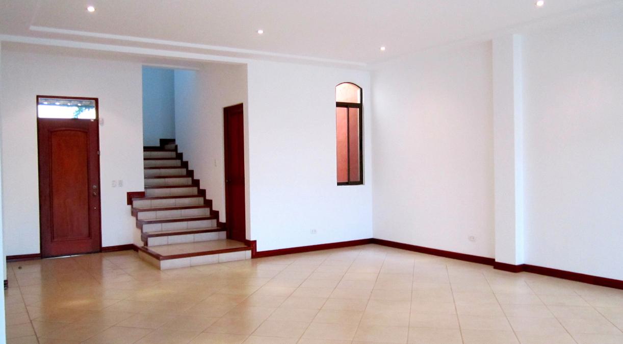 $350,000  Very nice home in condominium with patio, Escazu TREJOS