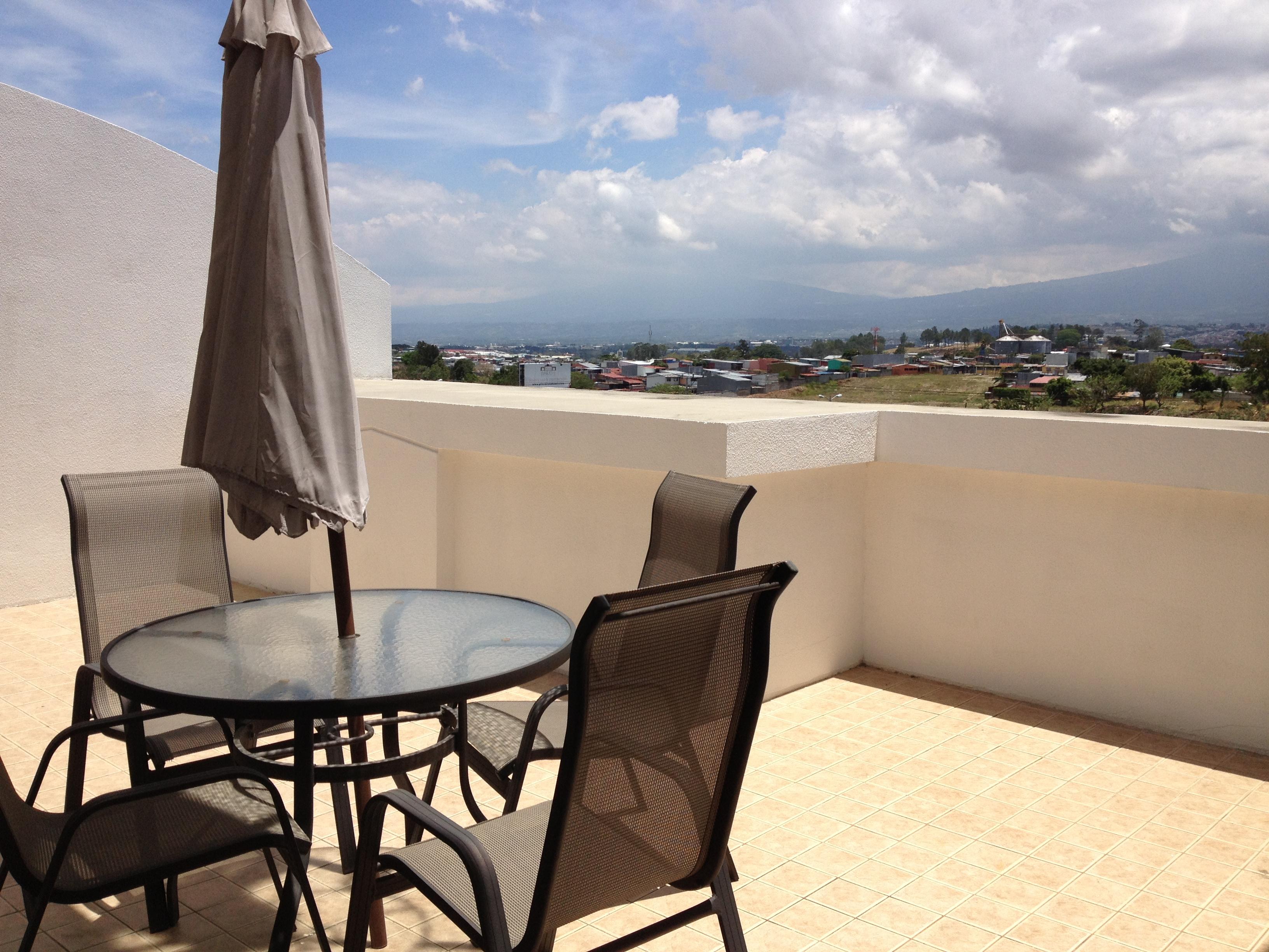 Furnished penthouse with mezzanine near Avenida Escazu