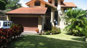 Beautiful home with views Santa Ana-Rio Oro