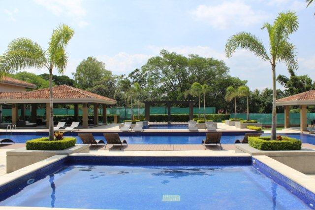 $1,650 2 bed  FURNISHED NEW MODERN apartment with pool, gym, tennis, great location in Santa Ana Pozos