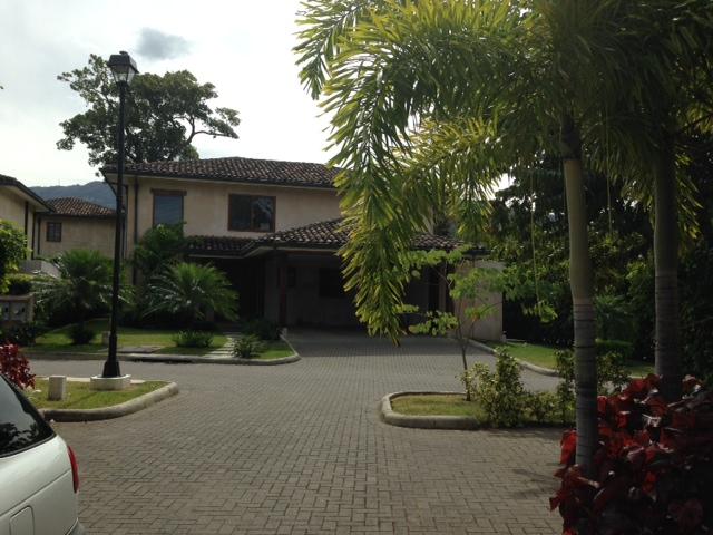 Beautiful medditerrean style home with private swimming pool in condominium, Santa Ana Rio Oro
