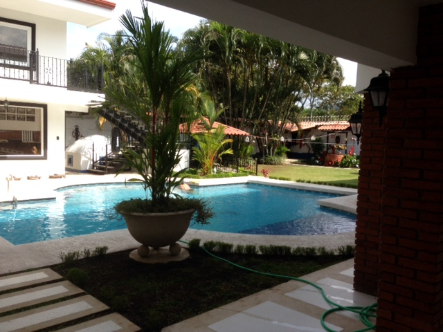 $1,200 NEW Spacious EUROPEAN STYLE apartment with beautiful POOL, GYM, BAR, in great location, Santa Ana Rio Oro