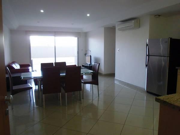 Modern, furnished apartment, walk to Avenida Escazu