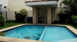 Furnished house in condominium with pool