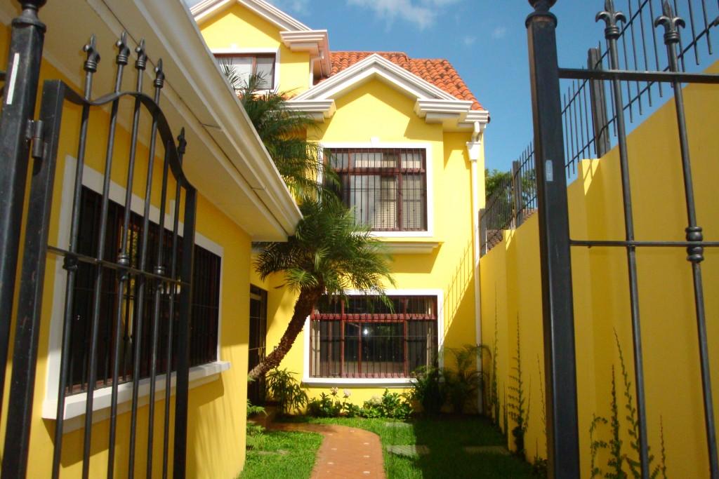 British style house Costa Rica in Escazu, Jaboncillo