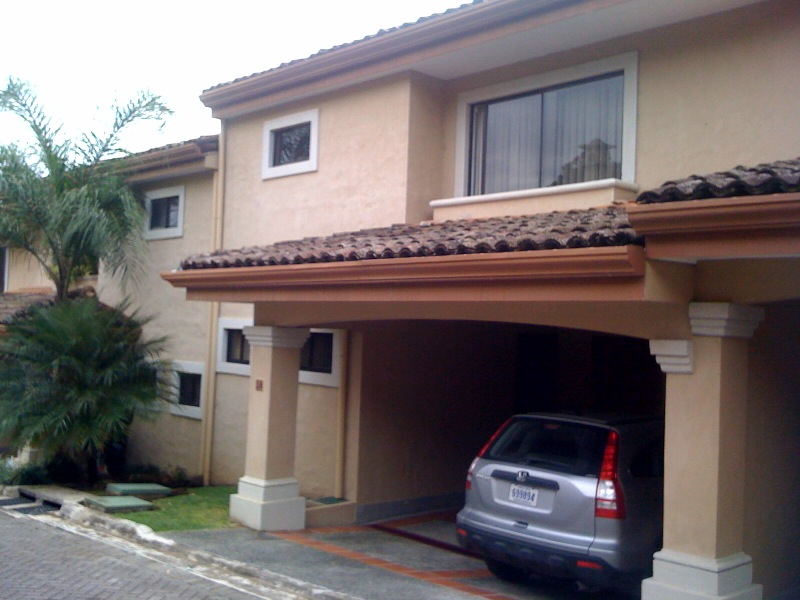 Home in Condominium with 2 pools and 2 playgrounds, tennis