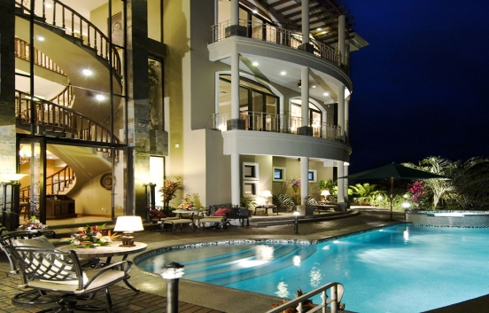 Luxury Villa with extraordinary views in exclusive residential