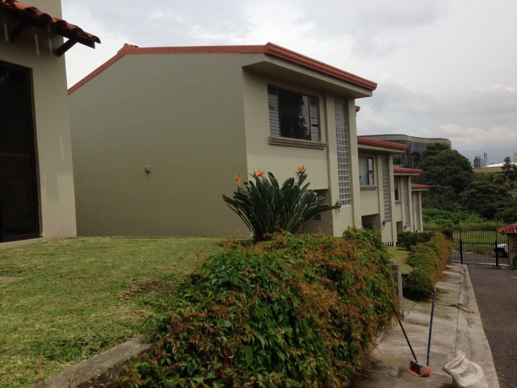 Escazu house for rent in condominium Escazu, Los Laureles