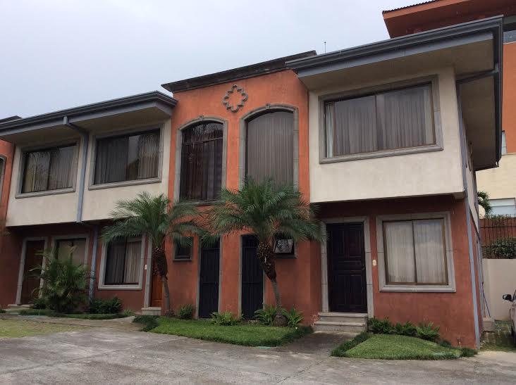 Two story apartment near Mutliplaza