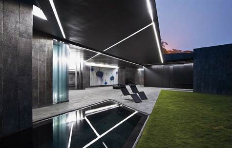 Modern & luxurious, unique design home Santa Ana, Brasil de Mora