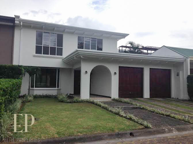 Spacious, independent home with private pool in Escazu.