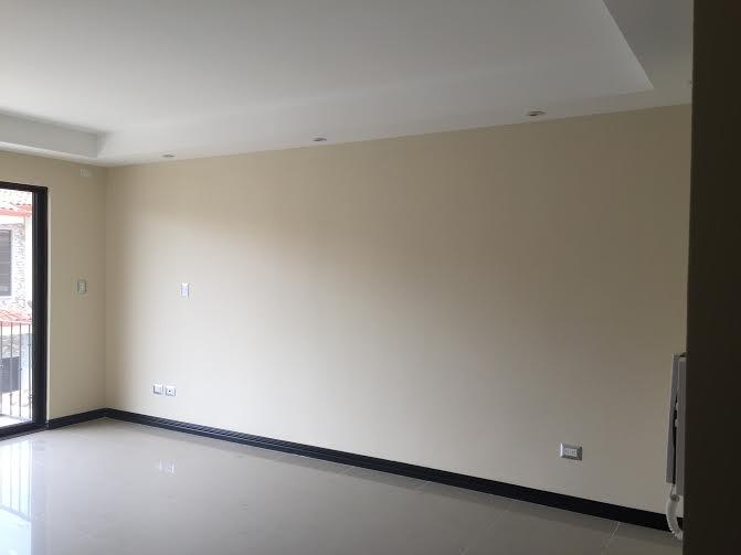 House in condominium with security in Santa Ana Centro