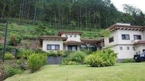 Luxury home in upscale gated community in peaceful area of Escazu