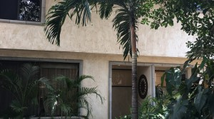 Very nice townhouse in condominium, walking distance to Distrito 4