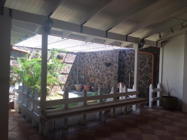 Spacious house with large kitchen santa ana
