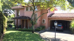 Beautiful colonial style home in condominium, Jaboncillo