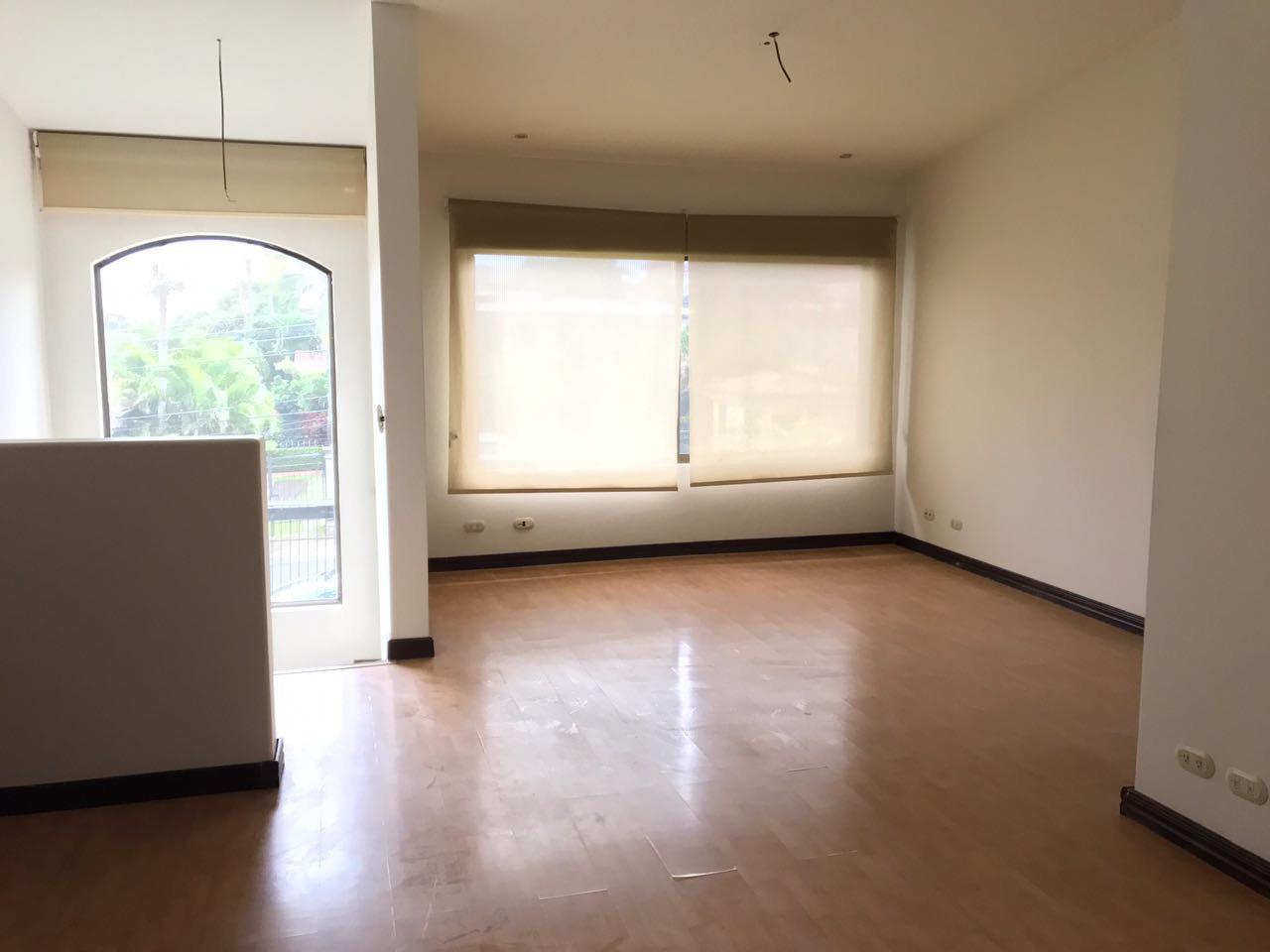 condo for rent near distrito 4