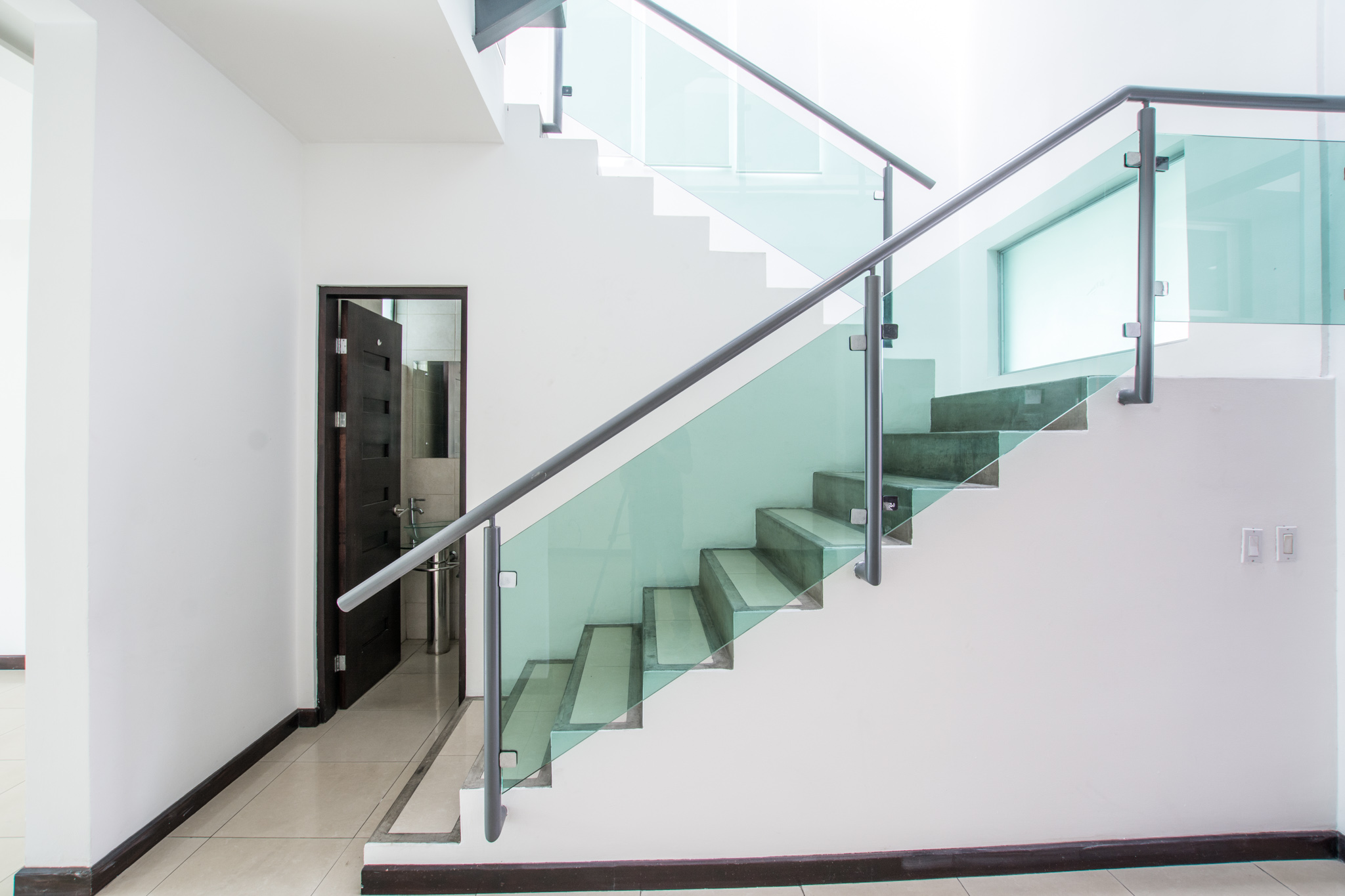 Modern home in condo for rent in Escazu, Trejos Montealegre, walking distance to Avenida Escazu