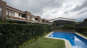 Modern house in small condominium with swimming pool Escazu, Trejos Montealegre