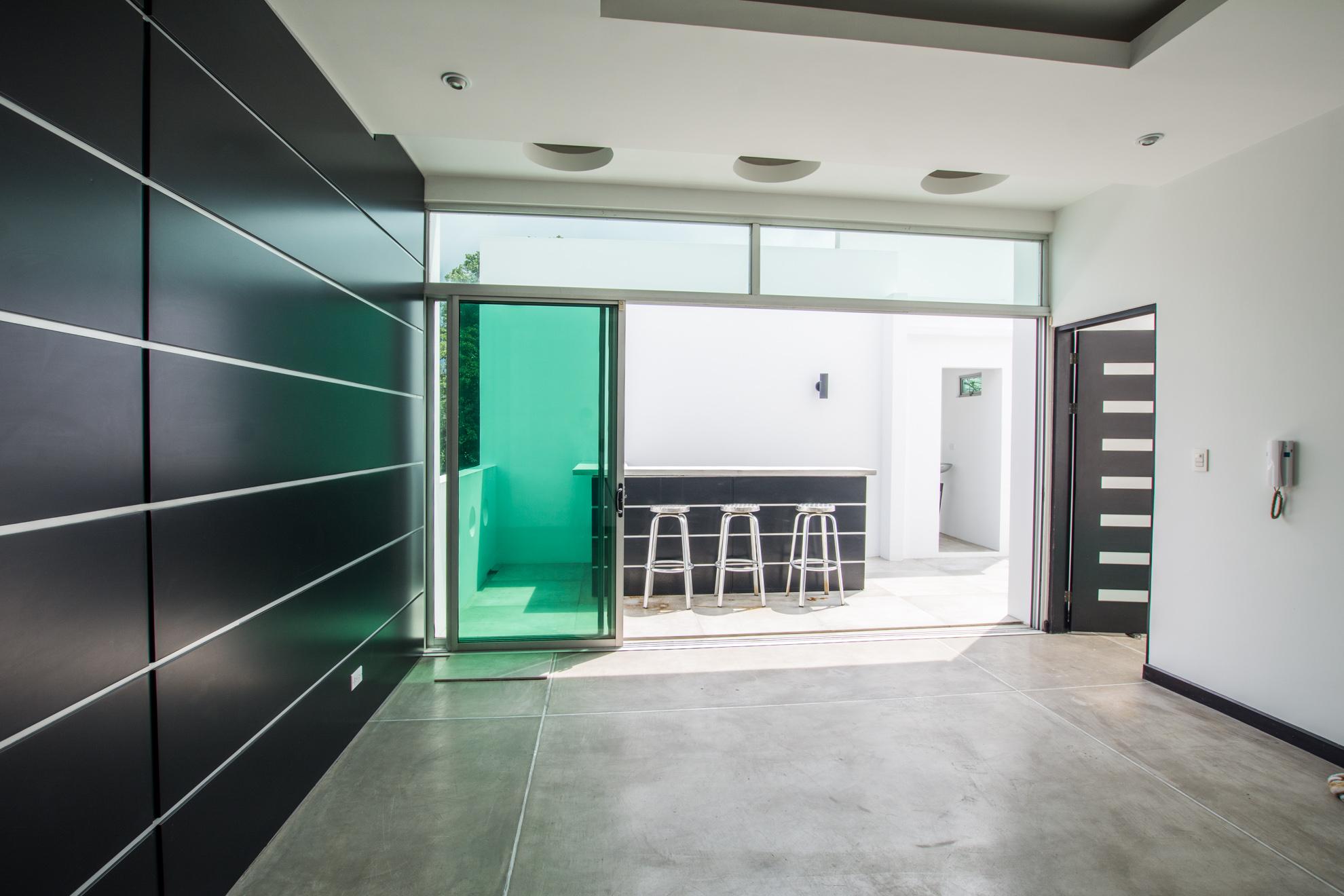 Moderna casa estilo loft en condominio escazu
