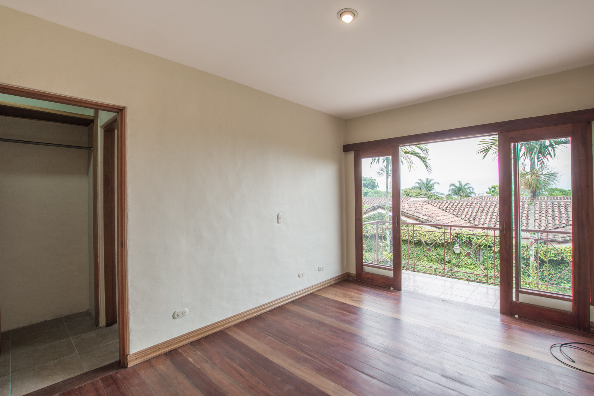 Two story home for rent Jaboncillo