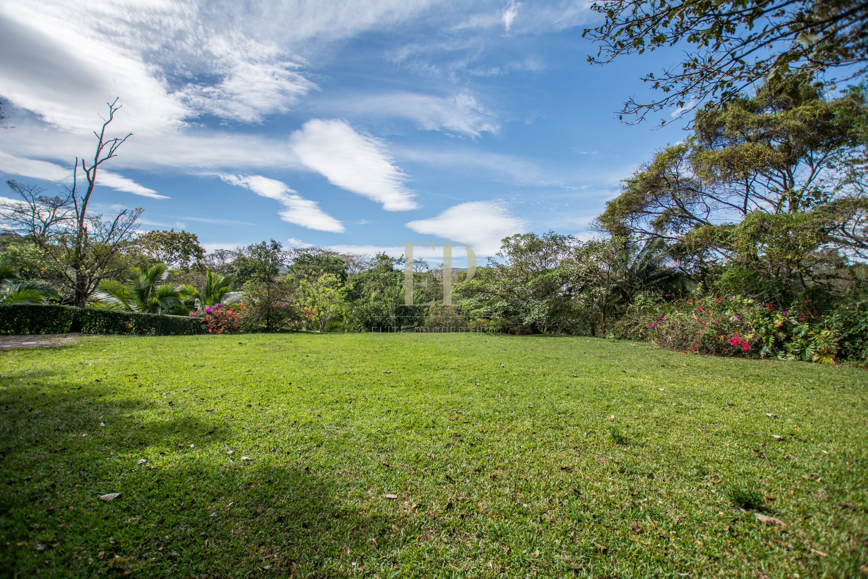 lot for sale in cuidad colon