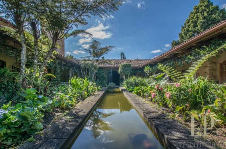 Gorgeous colonial style property located in Heredia