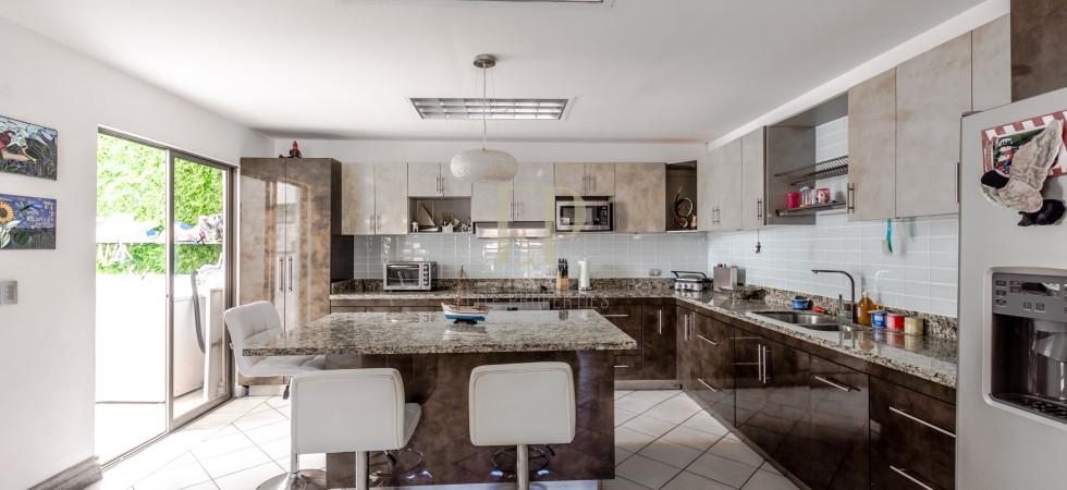 Fantastic location condo for sale near Distrito4, close to Multiplaza