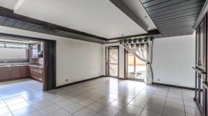Luxury spacious apartment in Escazu walking distance to bus, Automercado