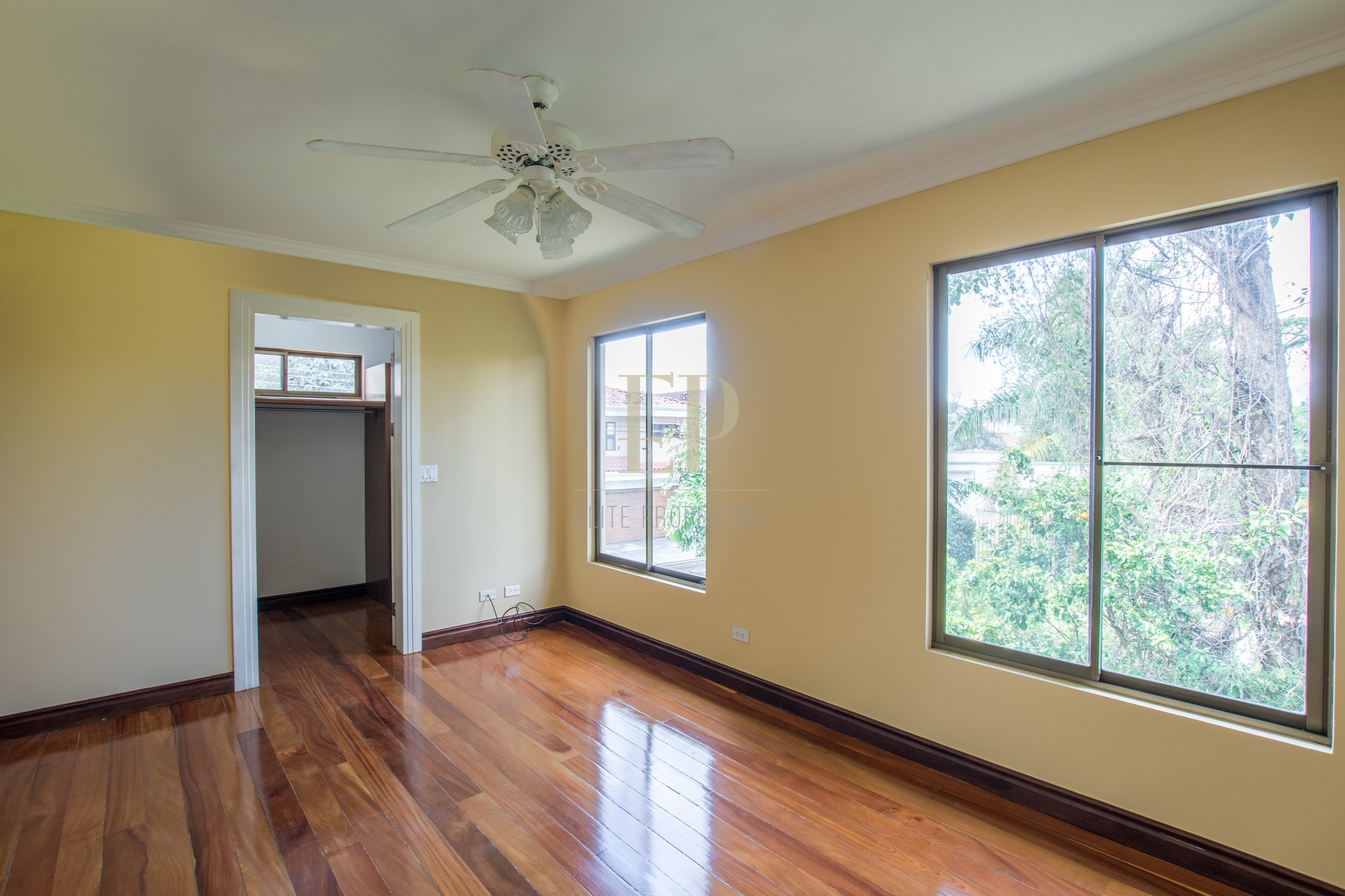 Two story independent home with terrace and garden
