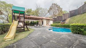 venta casa guachipelin