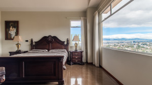 Completely furnished luxury apartment on the 6th floor