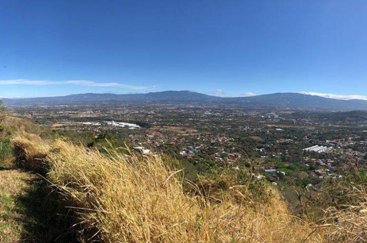 Why live in Santa Ana, Costa Rica?