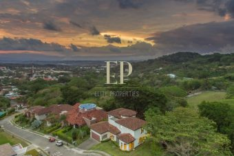 luxury house for sale cuidad colon