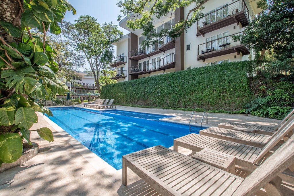 Surrounded by nature condominium with views, beautiful common area