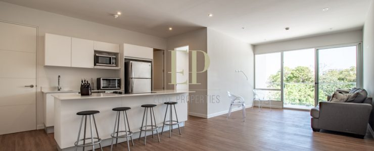 Beautiful apartment for sale in small condominium with relaxing common area
