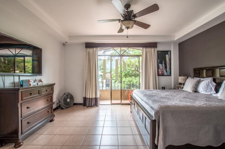 Beautiful home in small condominium with pool