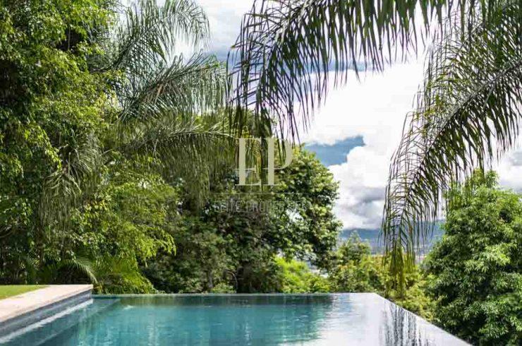 luxury ome villa real santa ana