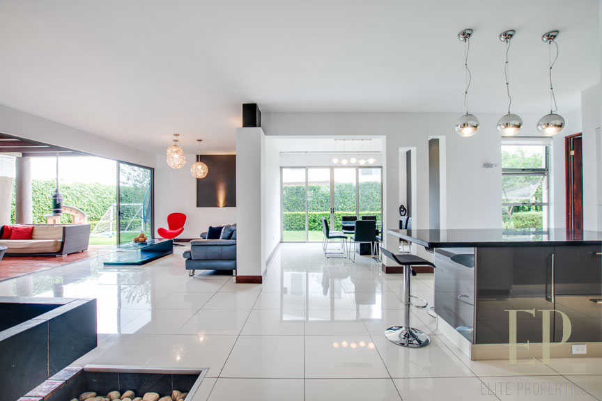 Independent, modern home for rent, condominium with pool