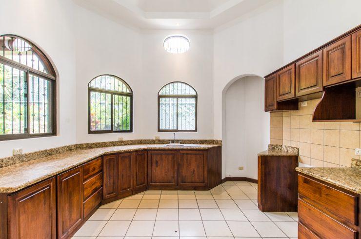 venta casa Escazu Guachipelin