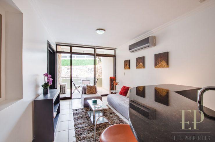 Furnished apartment Avalon Country Club Santa Ana