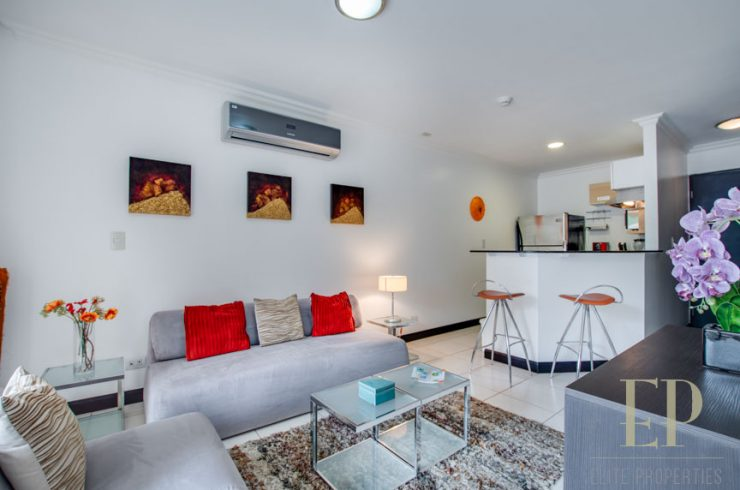 Furnished apartment Avalon Country Club Santa Ana, Rio Oro.