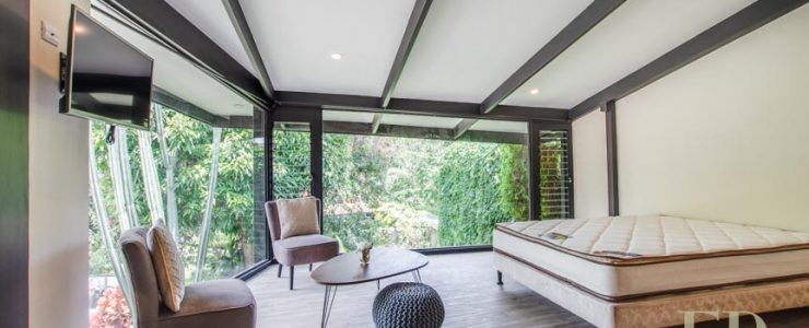Furnished, modern studio, brand new in condominium